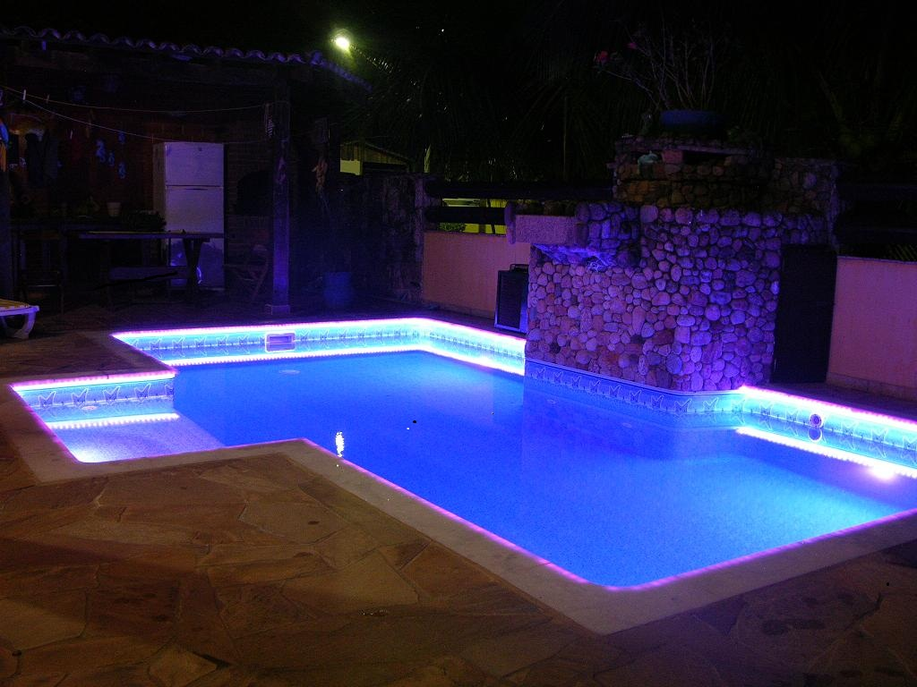 Ilumina o para piscina em belo horizonte casa da piscina for Luces led piscina